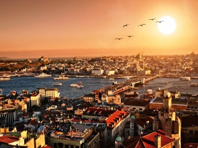 ISTANBULNOVA GODINA - Avio