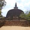 Sri Lanka - hram - biblioteka - kralj - polonaruva - kraljevstvo - budisti - hinduisti - monasi - stupe