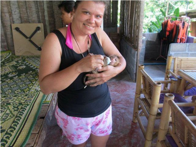 mangatrip-tajland-avantura-hranjenje-majmuncica