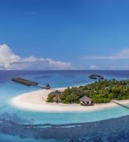 Angaga Island Resort and Spa Maldivi
