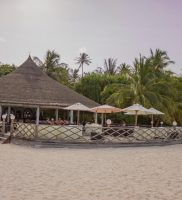 Angaga Island Resort and Spa Maldivi 9