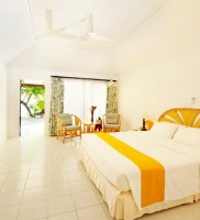 Holiday Island Resort Spa Maldivi 10