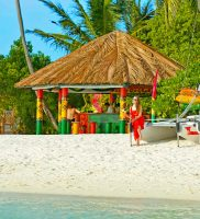 Holiday Island Resort Spa Maldivi 8