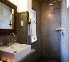 oka-premier-waterhole-chalet bathroom small